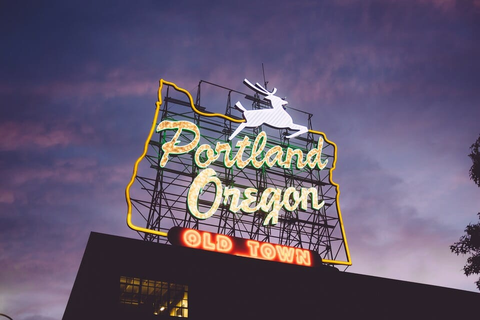 Montrose to/from Portland OR Flight Deal from $334rt