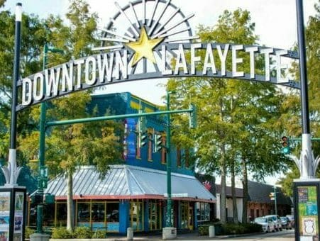 Montrose to/from Lafayette LA (LFT) Flight Deal from $281rt