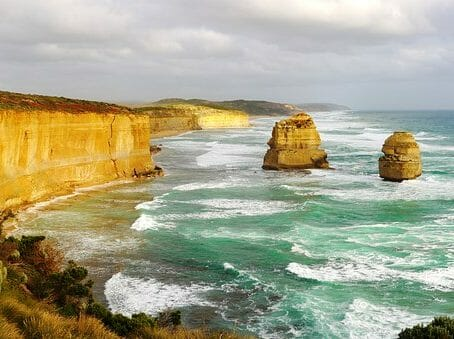Montrose to Melbourne (MEL) Australia Flight Deal from $629rt