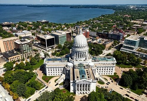 Montrose to/from Madison (MSN) WI Flight Deal from $250rt