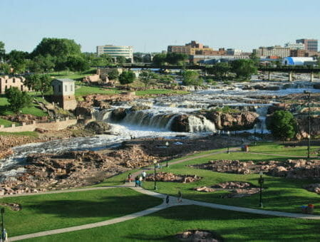 Montrose to/from Sioux Falls SD Flight Deal from $247rt