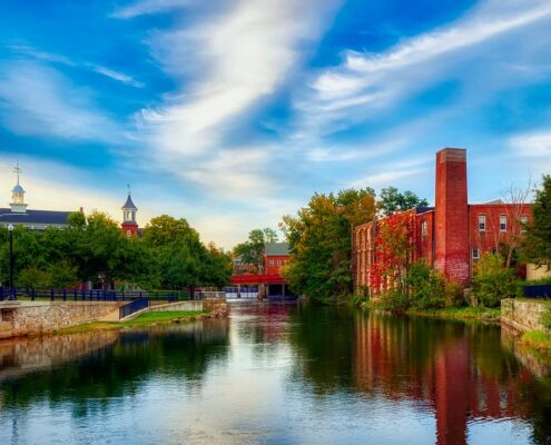 Montrose to/from Manchester (MHT) NH Flight Deal from $311rt